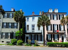 Overall Rating: 88.130With its beautiful gardens, vibrantly painted Georgian houses along Rainbow Row, and carriages clacking across cobblestone streets, Charleston remains one of the country's most picturesque cities. Underneath its sleepy charm, the city is known for its dynamic food scene—where destination dining reflects its English, French, and West African roots—along with a thriving theater scene, bustling King Street, and historic City Market. Come evening, stroll along The Battery a...