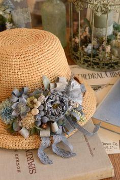 f:id:nora0924:20180604124445j:image Queen Hat, Baggage, Burlap Wreath, Panama Hat, Dior, Crochet Hats, Random, Handmade, Vintage