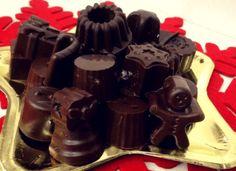 Αφράτα και πολύ οικονομικά Χριστουγεννιάτικα σοκολατάκια Greek Sweets, Chocolate Caramels, Christmas Time, Christmas Recipes, Sweet Home, Food And Drink, Favorite Recipes, Candy, Cookies