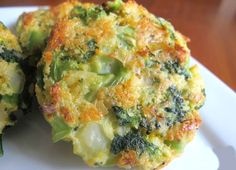 ⭐️ One of my very favorite side dishes are these cheesy roasted broccoli patties! Fried Broccoli, Broccoli Recipes, Broccoli And Cheese, Mexican Food Recipes, Vegetarian Recipes, Cooking Recipes, Healthy Recipes, Cooking Ribs, Broccoli Patties