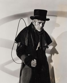 Boris Karloff as John Gray in The Body Snatcher classic horror Sci Fi Movies, Scary Movies, Old Movies, Retro Horror, Vintage Horror, Classic Horror Movies, Horror Films, Horror Art, Classic Hollywood