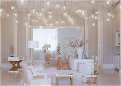 Those bubble-like lamps make this room looks dreamy... <3