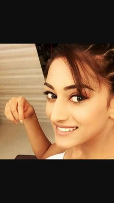 Falling for your eyes But they don't know me yet# #Erica Fernandes  Cat eye Needs a wink