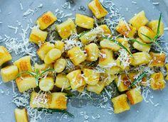 Gnocchi, Parmesan, Pasta Salad, Zucchini, Vegetables, Ethnic Recipes, Pink, Food, Crab Pasta Salad