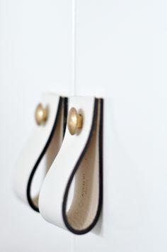 Φτιάξε καλαίσθητα δερμάτινα χερούλια από... παλιά ζώνη!  #DIY #ανακαίνιση #δερμα #διακόσμηση #ιδέες #ιδεεςδιακοσμησης #καντομονος #λαβες #ντουλαπια #φτιάξτομόνοςσου #χερουλια