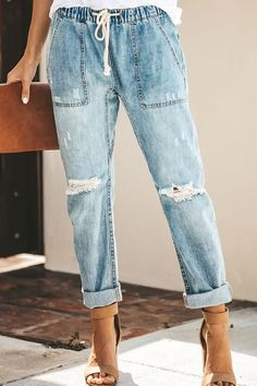 Shopping Casual Street Hipsters Straight Pants Women online with high-quality and best prices Jeans at Luvyle. Jeans Pants, Ripped Jeans, Mom Jeans, Denim Joggers Outfit, Jean Joggers, Boyfriend Jeans, Denim Jogger Pants, Denim Outfits, Denim Overalls
