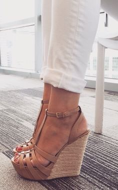 Not usually a fan of chunky wedges because they tend to look like anchors, but these are cute!