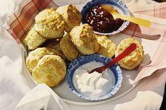 Be British, maak scones! Deze 'broodjes' hóren bij de high tea, maar als ontbijt zijn ze ook geweldig - Recept - Allerhande