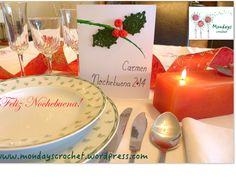 Tarjetas personalizadas menú Nochebuena. Tutorial en www.mondayscrochet.wordpress.com Panna Cotta, Wordpress, Table Decorations, Crochet, Ethnic Recipes, Diy, Food, Christmas Stars, Cardmaking