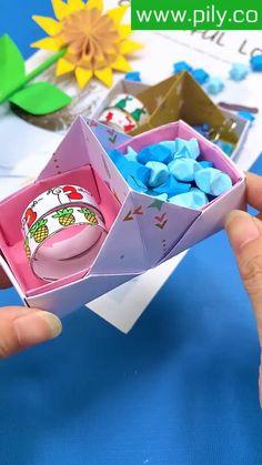 Diy Crafts Hacks, Diy Crafts For Gifts, Easy Crafts, Cool Paper Crafts, Paper Crafts Origami, Instruções Origami, Origami Boxes, Dollar Origami, Origami Bookmark