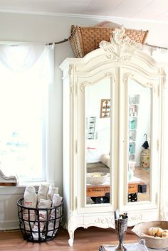Wow. Armoire. Yes please.