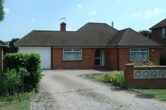 Semi detached house for sale - 3 bedrooms in Oakland Way, Flackwell Heath, High Wycombe HP10 - 30015717