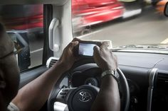 Cuomo maps crackdown on young drivers texting