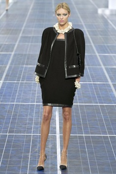 classic black and white @Chanel show