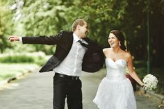 ¿Te acaba de pedir matrimonio y estás tan ilusionada que no puedes esperar? Lánzate y cásate en menos de un año, ¿te atreverías?