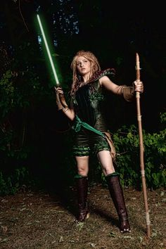 Tenel Ka Djo: Was a Dathomiri female Hapan Jedi Knight& the daughter of Prince Isolder & Dathomiri witch Teneniel Djo. Tenel Ka joined Luke Skywalker's Jedi Academy when she was 14, & became friends with Jacen & Jaina Solo. During her stay at the Jedi academy, Tenel Ka & her friends repelled the deadly Shadow Academy, foiled the Diversity Alliance, & put an end to the return of the Black Sun. During the Yuuzhan Vong War, Tenel Ka was part of strike team to destroy the Jedi hunting voxyn…