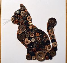Brown and tan cat button art Cat Crafts, Sewing Crafts, Diy And Crafts, Arts And Crafts, Old Jewelry, Jewelry Crafts, Jewelry Art, Diy Buttons, Vintage Buttons