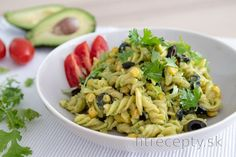 Cestoviny s cottage cheese a dusenou zeleninou Tofu, Pasta Salad, Healthy Recipes, Healthy Food, Ale, Good Food, Food And Drink, Health Fitness, Ethnic Recipes