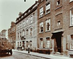 2-4 Wilkes Street, Spitalfields, 1909 East End London, Old London, London Pictures, London Photos, Irish Catholic, Bethnal Green, English Heritage, Fair Lady, Historical Pictures