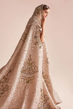 GEORGES HOBEIKA was the guest of honor at the Swarovski Sparkling Couture Infinity Exhibition held in Dubai. Bridal Dresses, Wedding Gowns, Fantasy Dress, Looks Style, International Fashion, Beautiful Gowns, Kaftan, Couture Fashion, Ball Gowns