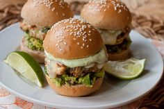 Cheddar Jalapeño Chicken Burgers with Guacamole - These burgers are ...