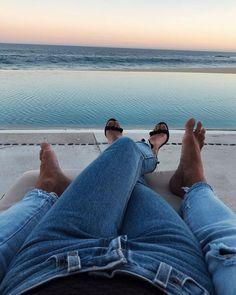 How to Take Good Beach Photos Couple Goals, Cute Couples Goals, Cute Relationship Goals, Cute Relationships, Beach Photography, Couple Photography, Plage Couples, Photo Couple, Couple Photos