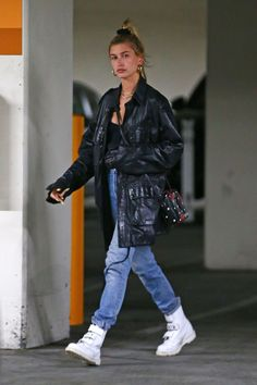 http://celebmafia.com/wp-content/uploads/2018/04/hailey-baldwin-exiting-the-montage-hotel-in-beverly-hills-04-18-2018-5.jpg