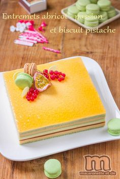 There are events that allow you to let your imagination run wild. Pastry And Bakery, Pastry Cake, Fancy Desserts, Köstliche Desserts, Sweet Recipes, Cake Recipes, Dessert Recipes, Mini Cakes, Cupcake Cakes