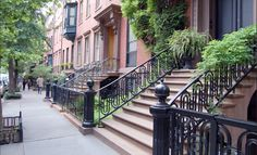 10 Ways to Break Up on the Stoop of a Building You Don't Live In #stoopinthenameoflove