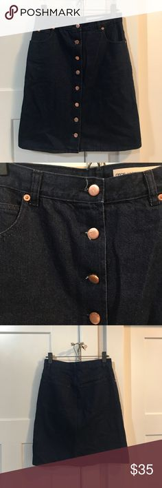 ASOS button from denim skirt ASOS TALL brand. Denim skirt with copper colored buttons. Super cute and flattering on! Asos size UK 10, but fits like a 4. Worn once ASOS Skirts Mini