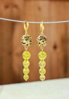 Crackle glass beads dangle earrings made by Надежда Жмакина from LC.Pandahall.com