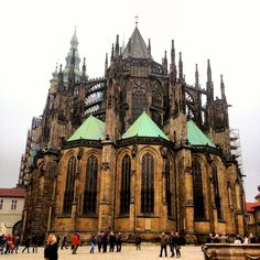 praga Beautiful Places In The World, Most Beautiful, Prague Czech Republic, Barcelona Cathedral, Places To Go, City, Building, Trips, Outdoors
