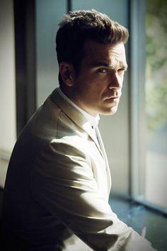 Robbie Williams talks Take That and more - GQ Music - GQ.COM (UK)