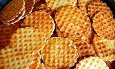 Mennyei ropogós sajtos tallér az ünnepekre. Ezt a receptet te is meg fogod őrizni! Savory Pastry, Hungarian Recipes, Snacks Für Party, Cake Cookies, Kitchen Gadgets, Tapas, Waffles, Bakery, Food And Drink