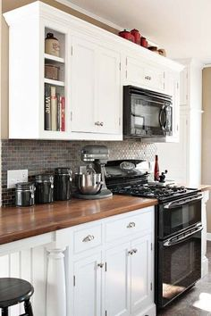how to decorate a kitchen with black appliances and white cabinets. Ideas and updates #LGLimitlessDesign #Contest