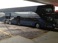 Nuestro #viajerooo Victor Zamora tomando al ETN VIP luego de arribar a la central de autobuses.