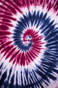 Knitting patterns, tutorials, stitches and tips designed for knitters and yarn crafting enthusiasts of all skill levels. Tie Dye Folding Techniques, Chilly Dogs, Art And Craft Materials, Tie Dye Fashion, Batik, Trends, Creative Kids, Abstract Pattern, Knitting Patterns