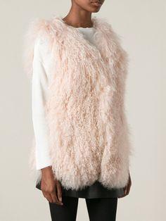 #yvessalomon #yvessalomonvest #furvest #palepink #pinkvest #pinkfur #womensfashion #musthave www.jofre.eu