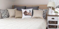 Vankúše z výpredajovej kolekcie skombinované s vankúšikom z kolekcie Jupiter a Dream&Fun.  #vankuse#spalna#obyvacka#detskaizba#kvety Sequin Pillow, Diy Tv, Built In Bookcase, Ikea, New Homes, Throw Pillows, Interior, Furniture, Design