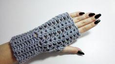 Crochet for left handed: Fingerless Gloves