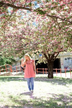 Die besten Kirschblüten Foto Locations in Wien - Kirschblütenblog Cherry Blossom, Couple Photos, Style, Good Photos, Great Pictures, Amazing Eyes, Cherries, Flowers, Nice Asses