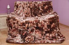 Brązowe narzuty kaminne na kanapę i fotele