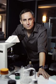 David Hodges is a lab technician working out of the Las Vegas Crime Lab. He specializes in Trace Evidence. He transferred over from the Los Angeles Crime Lab as revealed in Recipe for Murder. Csi Las Vegas Cast, Lauren Lee Smith, Eric Szmanda, Csi Crime Scene Investigation, Marg Helgenberger, Les Experts, Forensic Science, Hollywood, Men's Watches