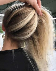 Balayage is one of the best combination with blonde hair to use in 2018. Although there are a lot of best options that we can use to wear with blonde highlights but balayage is one of those hair colors which are much liked among ladies in these days. See here the most beautiful ideas of blonde balayage hair colors 2018