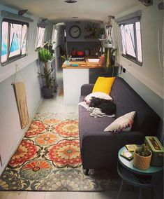 Vintage campers interieur 16 ideas for 2019 Sailboat Living, Living On A Boat, Tiny Living, Home And Living, Barge Boat, Canal Barge, Narrowboat Interiors, House Boat Interiors, Canal Boat Interior