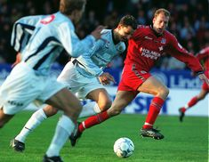 Malmö FF, attacking. Zlatan Ibrahimovic.