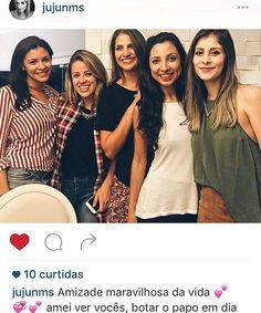 Regram @jujunms! A linda e querida empresária hoteleira Catarinense arrasou com nosso colete xadrez super trendy #timessquare em encontro com amigas.  #semprecoleteria #coleteria  www.coleteria.com.br