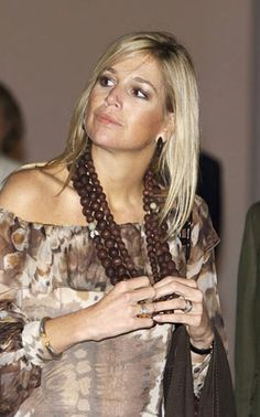 Queen Maxima, Dutch Royalty, Three Daughters, Visit Australia, Queen Of Hearts, Royal Fashion, Netherlands, Rey, Crown
