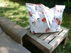 Quilting Buttercup: How to make a spacious beach bag