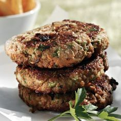 These yummy burgers are not only delicious and low fat but a clever way to get your kids to eat their veggies! Skinny Recipes, Healthy Recipes, Diet Recipes, Healthy Food, Food Network Recipes, Cooking Recipes, Cooking Ideas, Greek Menu, The Kitchen Food Network